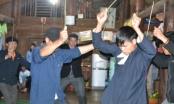 Clip: Thót tim với màn uống nước sôi trong tục nhảy bói của người Dao ở Hà Giang