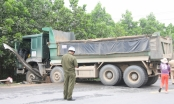 Đà Nẵng: Người đàn ông điều khiển xe máy tử vong tại chỗ sau va chạm với xe tải