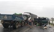 Người phụ nữ trên xe tải chết thảm sau vụ tai nạn liên hoàn