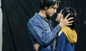 Trót vụt mất nụ hôn trong phim, Hoàng Yến Chibi quyết hôn bằng được Tiến Vũ ngoài đời