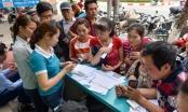 Hà Nội: Người dân xếp hàng đợi chụp ảnh chính chủ thuê bao di động