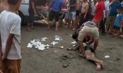 Nghệ An: Chồng tử vong khi lao ra biển cứu vợ bị sóng cuốn trôi