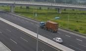 Xe container đi lùi trên cao tốc Hà Nội – Hải Phòng