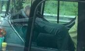 Đề nghị xử nghiêm tài xế lái xe khách bằng chân trên cao tốc Trung Lương - TP HCM