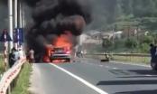 Clip xe container bốc cháy ngùn ngụt, người dân thản nhiên đứng xem