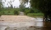 Nghệ An nhiều nơi nước ngập mênh mông, sạt lở sau mưa lớn