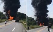 Xe bồn bốc cháy dữ dội sau va chạm trên cao tốc Hà Nội - Lào Cai