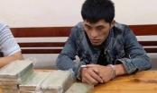 """Bị bắt khi """"cõng"""" 10 bánh heroin và 1 kg ma túy đá"""