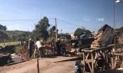 Đắk Nông: Xe tải mất lái tông sập cầu tạm