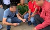 Bắt quả tang đối tượng bán ma túy và tàng trữ hàng nóng