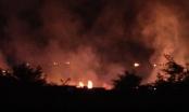 Bình Dương: Khói lửa bao trùm hơn 1000m2 xưởng gỗ, nhiều tài sản bị thiêu rụi