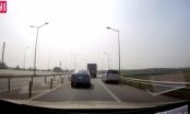 Lại xuất hiện clip xe Innova đi lùi trên cao tốc Hà Nội - Thái Nguyên