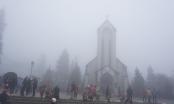 Sa Pa sương phủ mù mịt, mưa tuyết có thể xuất hiện