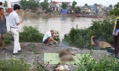 Bàng hoàng phát hiện thi thể người đàn ông lập lờ dưới sông