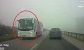Clip: Xe khách Samsung ngang nhiên đi ngược chiều trên cao tốc Hà Nội - Thái Nguyên