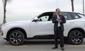 Clip tỷ phú Phạm Nhật Vượng tự lái xe VinFast xuất xưởng