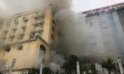 Cháy lớn tại tổ hợp khách sạn, quán bar, karaoke tại TP Vinh