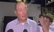 Clip: Nghị sĩ Australia bị đập trứng vào đầu khi phát biểu về vụ xả súng New Zealand