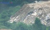 """""""Núi"""" phế thải cao như nhà tầng ở phường Xuân La: Công an quận Tây Hồ đã quyết liệt xử lý?"""