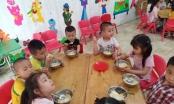 Báo động tình trạng buông lỏng quản lý tại các bếp ăn trường học