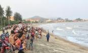 Nghệ An: Dùng lưới quét biển tìm kiếm học sinh 10 tuổi bị sóng cuốn mất tích khi đi tắm biển