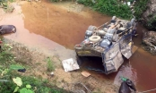 Hà Giang: Xe chở hơn chục con trâu lao xuống cầu, một người nhập viện