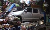 Bình Dương: Ô tô tông xe máy rồi cày nát tiệm tạp hóa bên đường