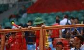Ronaldinho đội mũ cối, cổ vũ Văn Quyết và Olympic Việt Nam