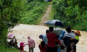 Nghệ An: Hơn 300 người dân Khơ Mú bị cô lập trong nước lũ