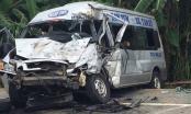 2 xe khách tông trực diện làm 14 người thương vong