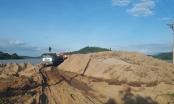 Đắk Lắk: Nạo vét lòng hồ cắm vòi rồng hút luôn cát lậu