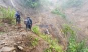Lội trong bùn 15km vào hiện trường vụ lũ quét bãi vàng ở Nậm Xây