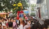 Hà Nội: Hàng nghìn người chen chân du xuân Phủ Tây Hồ ngày đầu năm mới