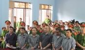 Tuyên án 8 nông dân Văn Giang về tội gây rối trật tự công cộng