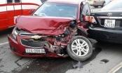 Tai nạn liên hoàn trên cầu Thăng Long, 2 xế hộp nát bét đầu