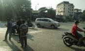 Hà Nội: Va chạm với xe đầu kéo, người phụ nữ đi xe máy tử vong tại chỗ