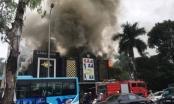 Hà Nội: Đang cháy rất lớn ở quán Karaoke ở Linh Đàm