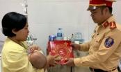 Quảng Ninh: CSGT mang trung thu ấm áp đến với các bệnh nhân nhi