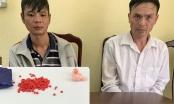 Thanh Hoá: Hai con nghiện giấu ma tuý vào áo mưa, rồi để phía trước xe để qua mắt công an