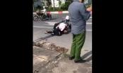 Kỷ luật công an đứng vô cảm, mặc cho tài xế taxi vật lộn với tên cướp