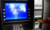 """Buồn thay ATM """"nghỉ tết"""" sớm, vào ngân hàng rút tiền bị tính phí"""