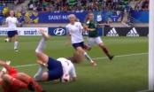 [Clip]: Bàn thắng kì dị của nữ cầu thủ U20 Anh