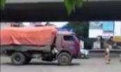Hà Nội: Lùi xe chạy trốn CSGT, tài xế bị tước giấy phép 3 tháng