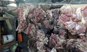 Hải Phòng: Bắt khẩn cấp hai đối tượng ném chất bẩn vào thịt lợn