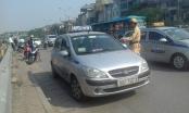 Hà Nội: Đẩy mạnh xử lý taxi dừng đỗ trước cửa Bệnh viện Bạch Mai