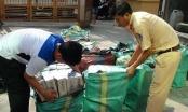 An Giang: Cải tạo thùng xe giấu 21.000 bao thuốc lá lậu