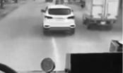 """Ô tô không nhường đường cứu hỏa: """"Điếc"""" hay cố tình vi phạm?"""