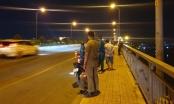 Tìm kiếm thi thể nữ sinh khoác đồng phục nhảy sông Sài Gòn
