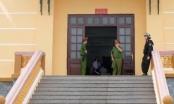 Đang xét xử vụ án nâng điểm thi THPT Quốc gia ở Hoà Bình