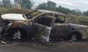 Chồng giận vợ, lái ô tô ra nghĩa trang phóng hỏa thiêu rụi
